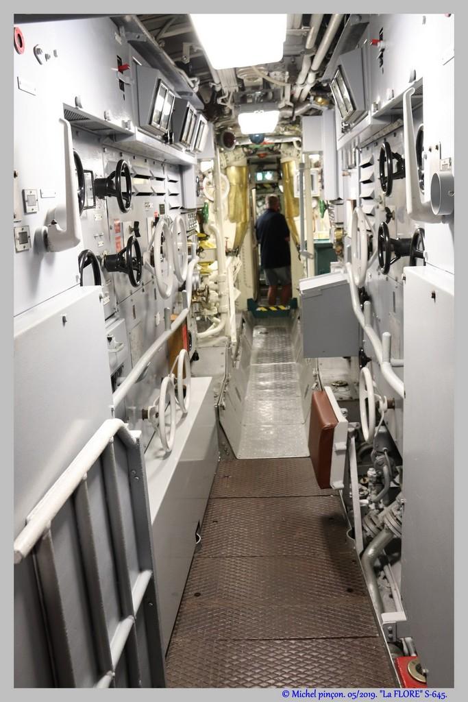[Les Musées en rapport avec la Marine] Sous-Marin  Flore - Page 19 Dsc04682