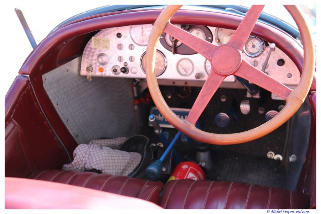 Pour les amoureux de  belles vieilles mécaniques Dsc04731