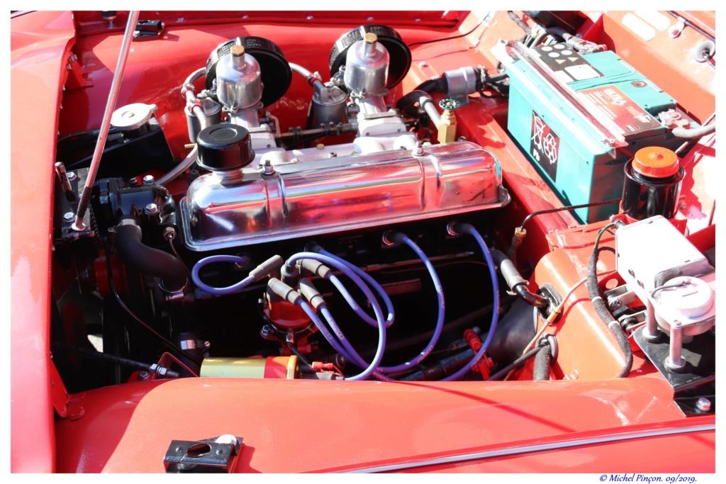 Pour les amoureux de  belles vieilles mécaniques - Page 2 Dsc04859