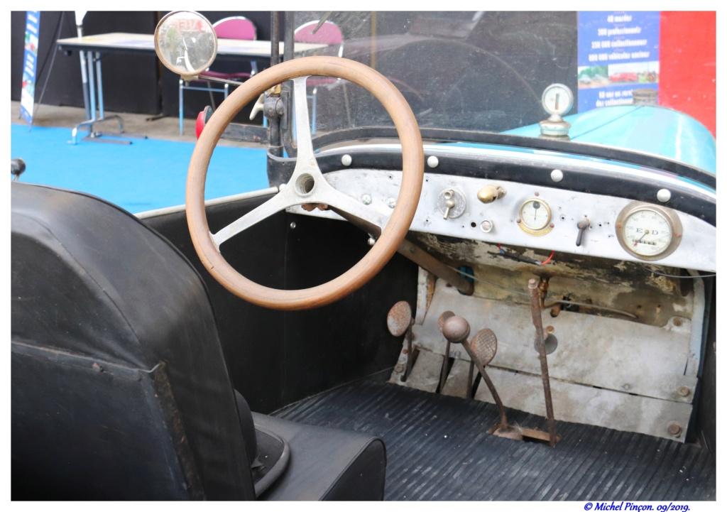 Pour les amoureux de  belles vieilles mécaniques - Page 2 Dsc05070