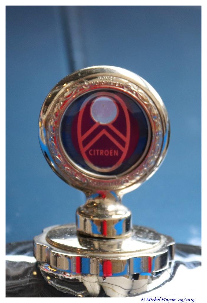 Pour les amoureux de  belles vieilles mécaniques - Page 2 Dsc05281