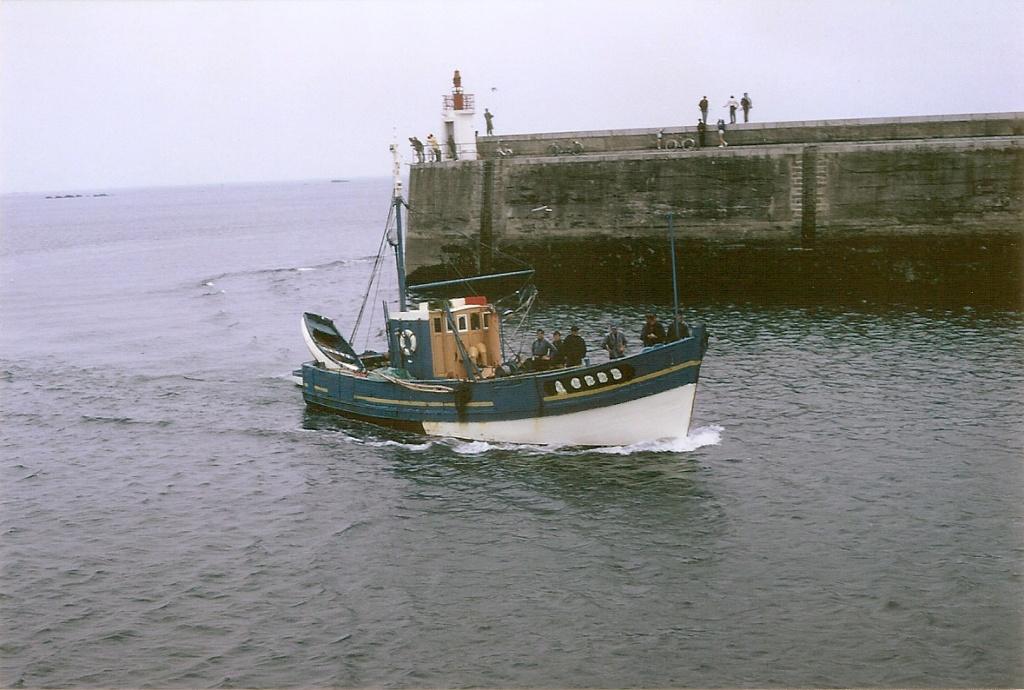 [VIE DES PORTS] Quelques bateaux de pêche (sur nos côtes Françaises) - Page 12 Numzo249