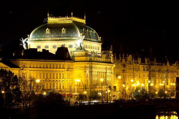 Promenade nocturne - identifiez le monument, la ville et le pays - Page 26 138_th10