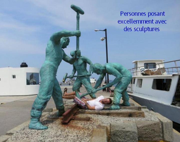 .Amusement avec des statues * G_0146