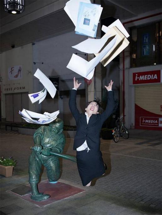 .Amusement avec des statues * G_0339