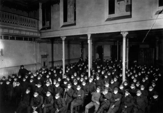 Il y a 102 ans, déjà des Masques …* G_1131