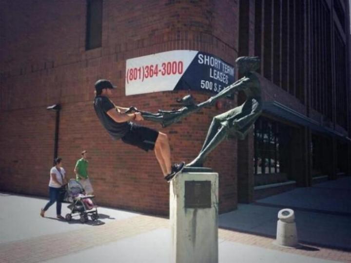 .Amusement avec des statues * G_1233