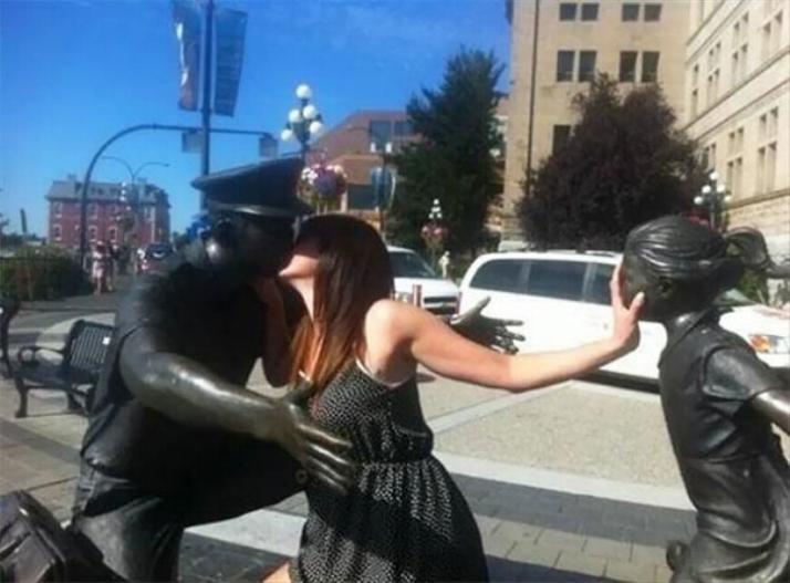 .Amusement avec des statues * G_1329