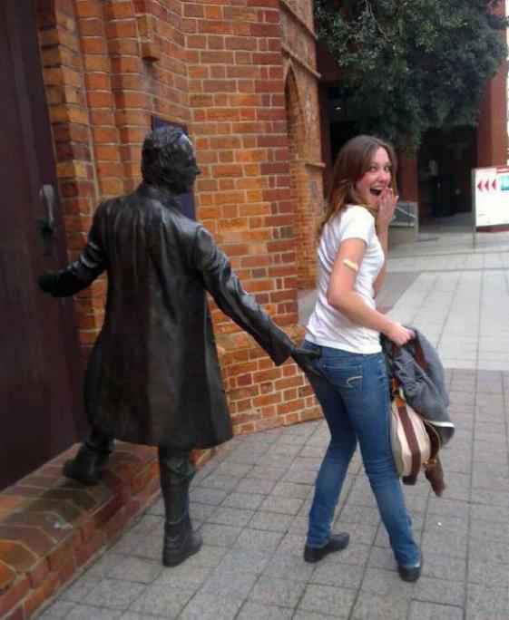 .Amusement avec des statues * G_1632