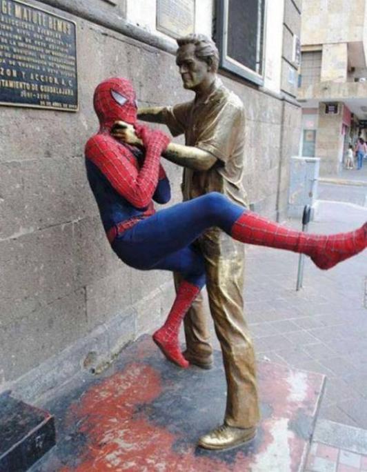 .Amusement avec des statues * G_2026