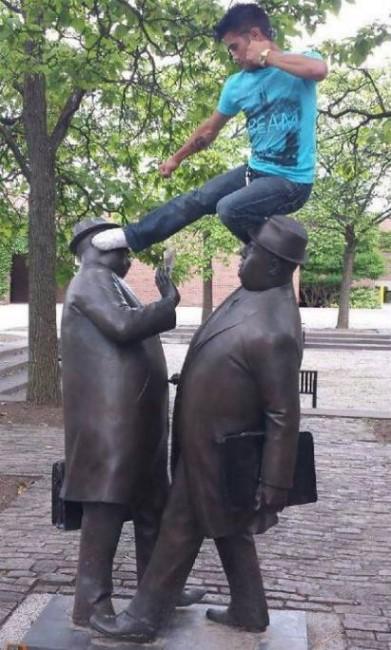 .Amusement avec des statues * - Page 2 G_3023