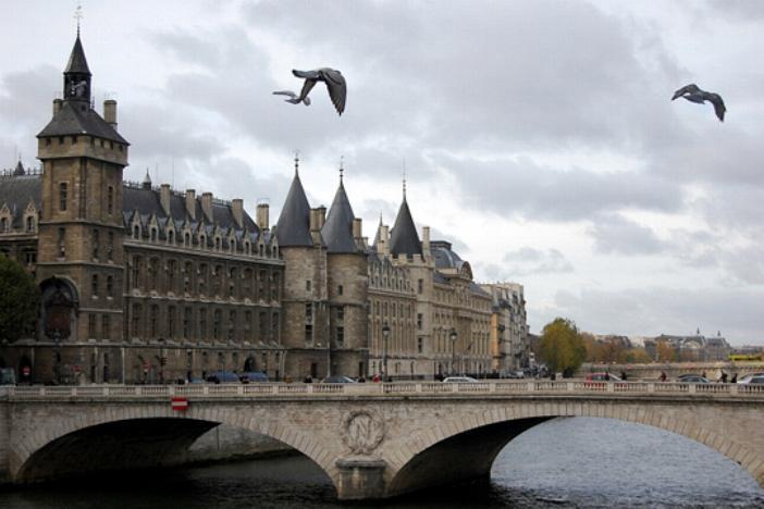 La vie des rois en France - Page 2 S_2013