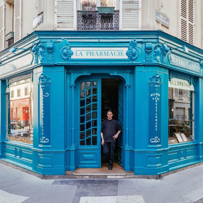 Le charme discret des vieilles boutiques de Paris..* X_03_c13