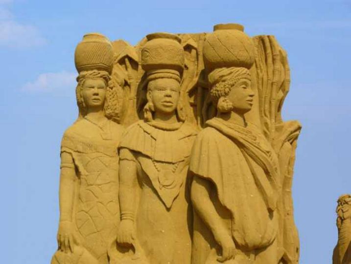 Statues de sable * X_0744