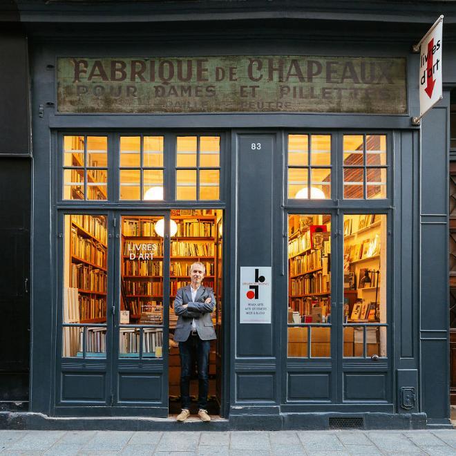 Le charme discret des vieilles boutiques de Paris..* X_09_s10