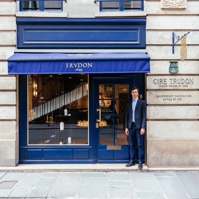 Le charme discret des vieilles boutiques de Paris..* X_11_j12