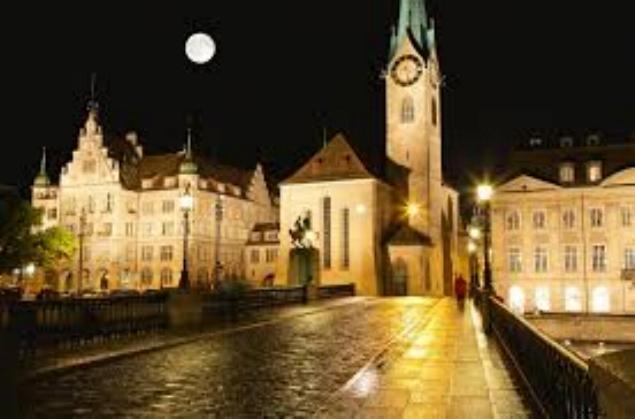 Promenade nocturne - identifiez le monument, la ville et le pays - Page 26 X_134_12
