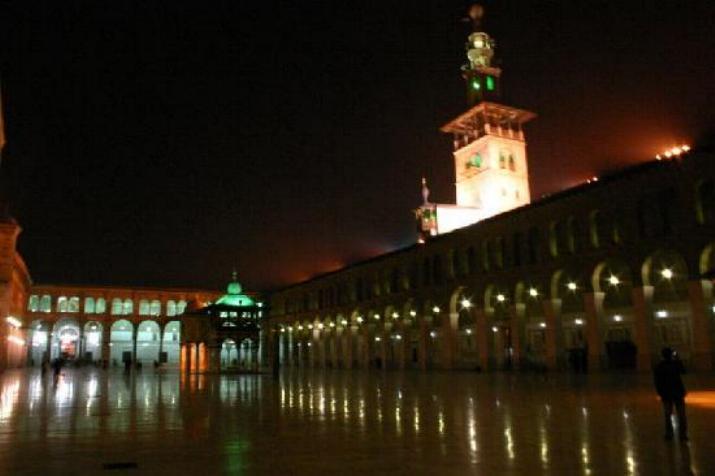 Promenade nocturne - identifiez le monument, la ville et le pays - Page 25 X_135_10