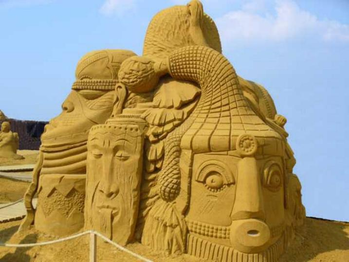 Statues de sable * X_2134