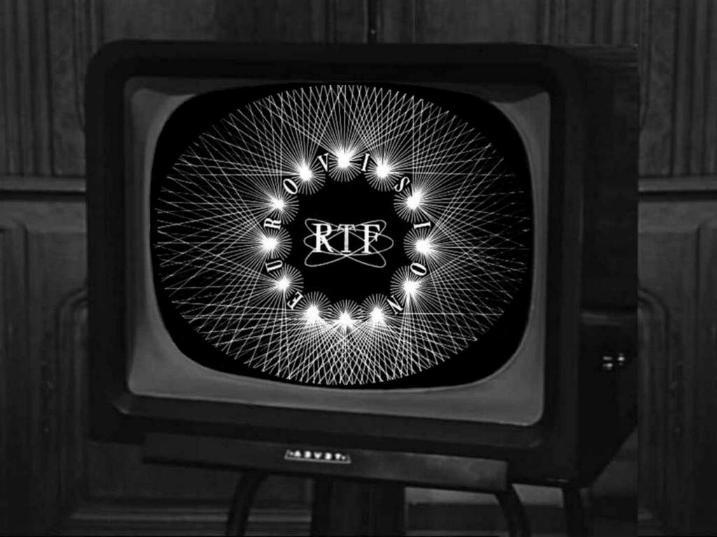 Les premiers pas de la télévision française * X_2236