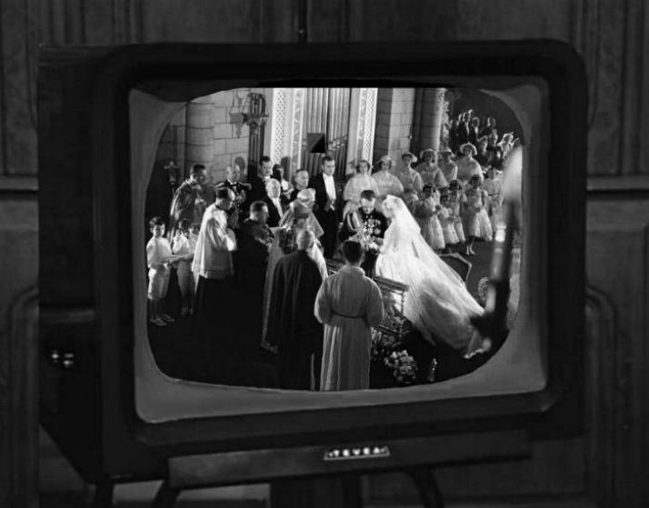 Les premiers pas de la télévision française * X_2436