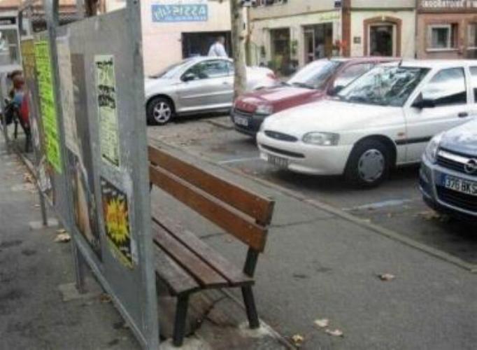 la Ville de Béziers a décidé de procéder à l'enlèvement des bancs publics. X_le_b19