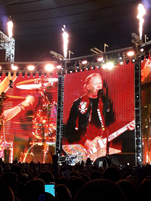 metallica - Page 8 20190550