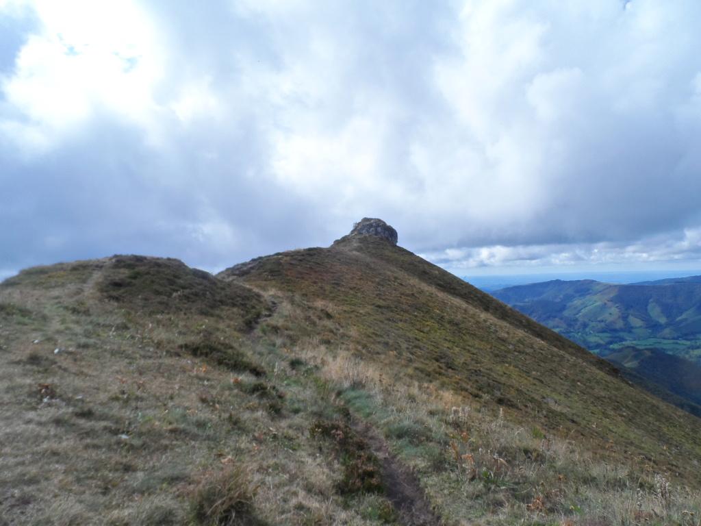 Votre sommet préféré des monts du Cantal  Sd18_118