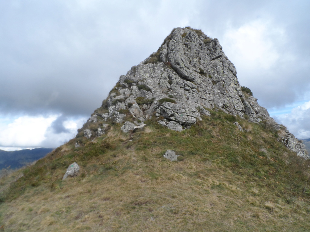 Votre sommet préféré des monts du Cantal  Sd18_121