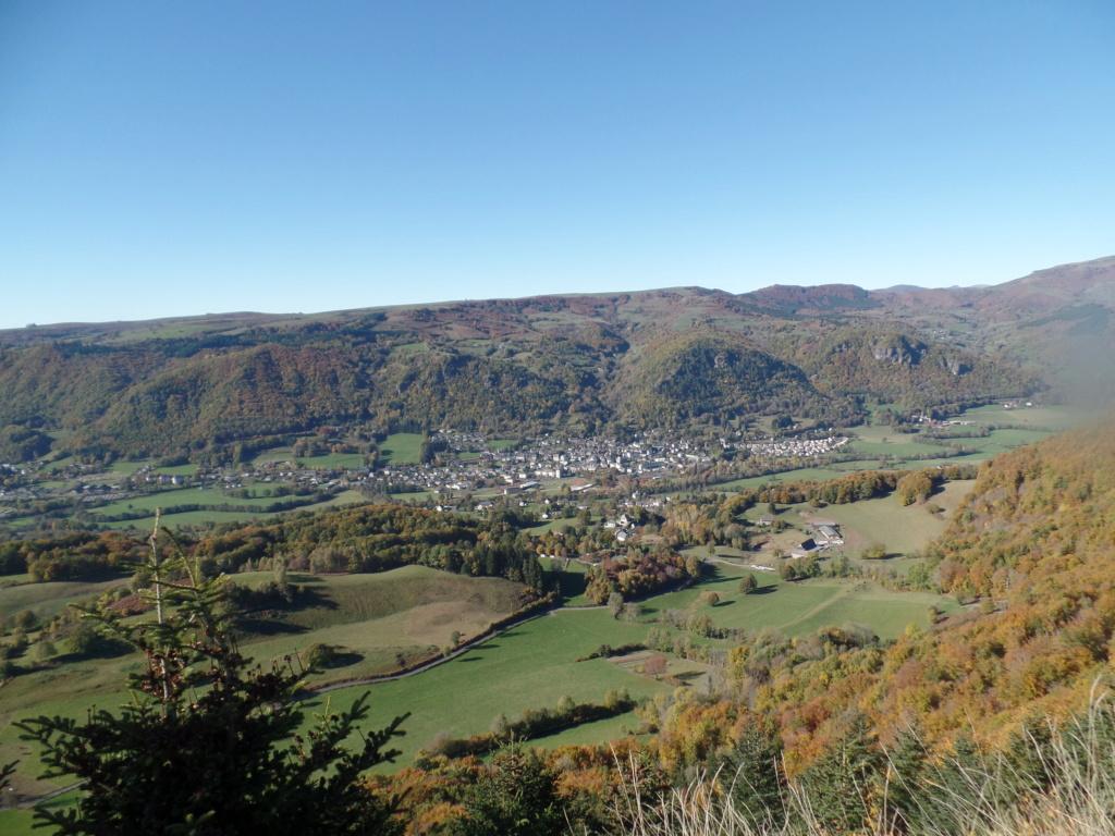 [TF1] Les monts du Cantal  Sd22_131