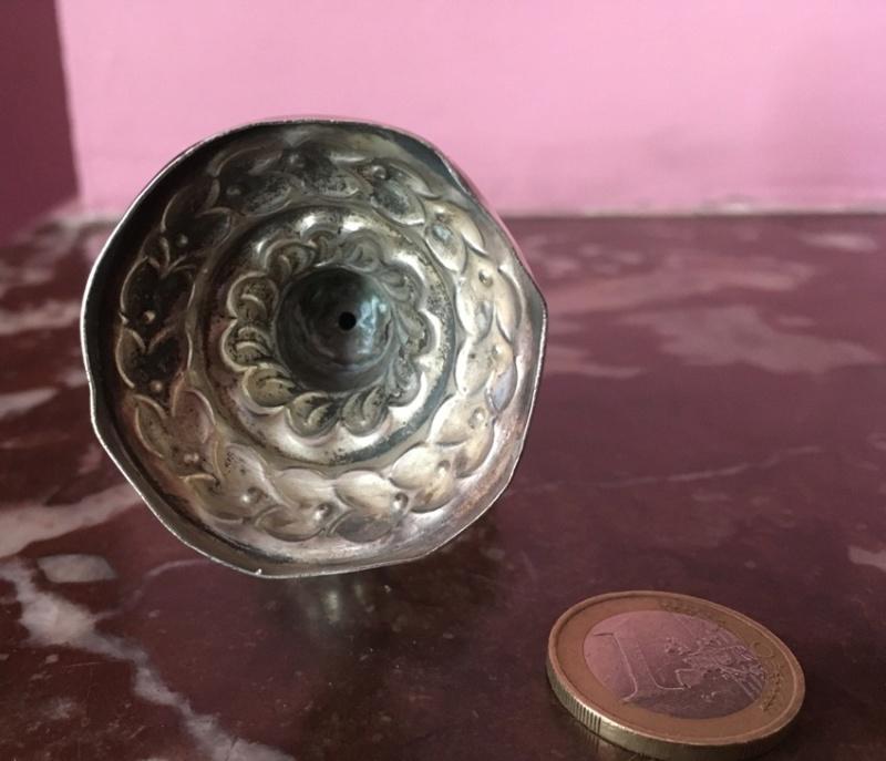 Fiole parfum fleur d'oranger een argent repoussé Algérie Img_8726