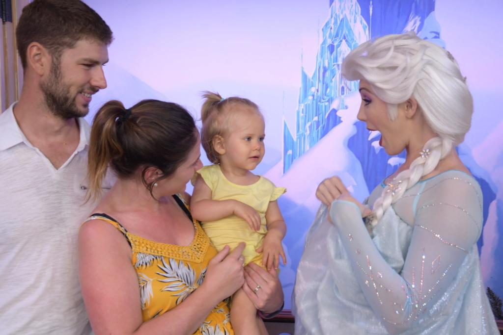 Le premier voyage de princesse Mathilde et ses 13 mois d'amour  - Page 4 23bc8210