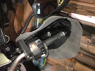 Quelques bidouilles sur ma GT : Support de U, manchons étanches pour l'hiver, selle confort et bulle haute. Intzor10