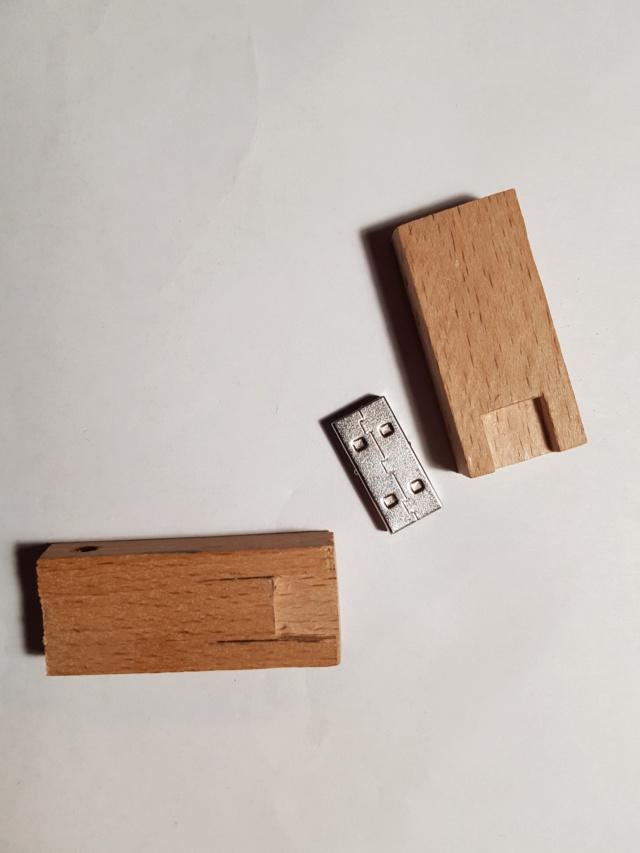 JJ - Clé USB (amusement) Clzo_u11