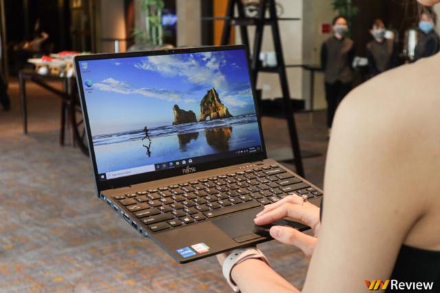 Fujitsu UH-X chỉ 749 gram do Nguyễn Kim phân phối 21534910