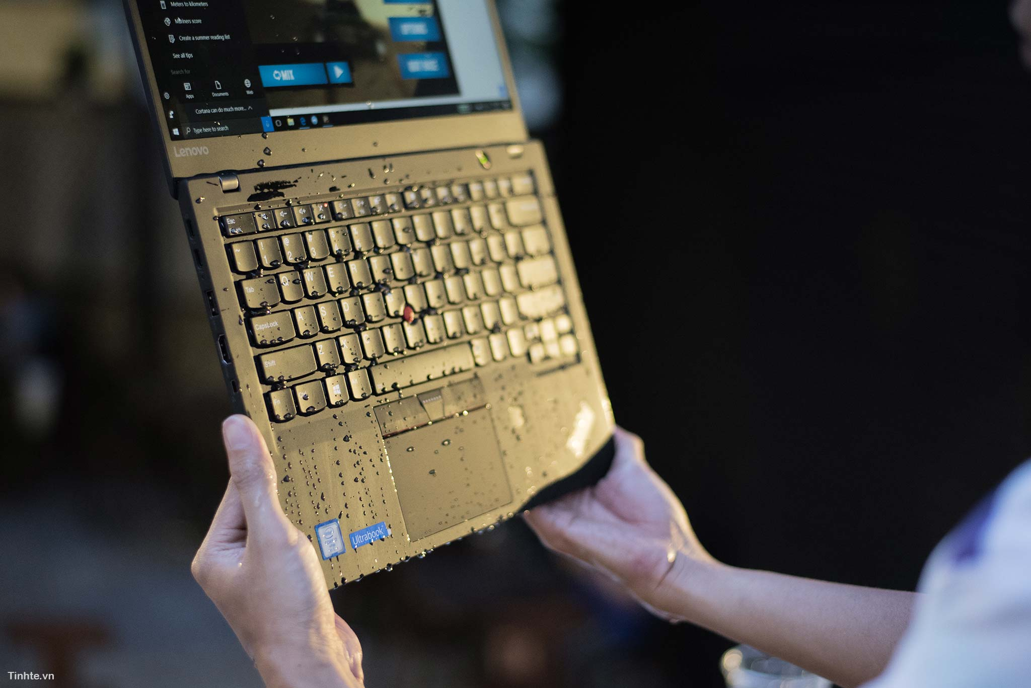 ThinkPad X1 cacbon - laptop cao cấp cho doanh nhân 40653413