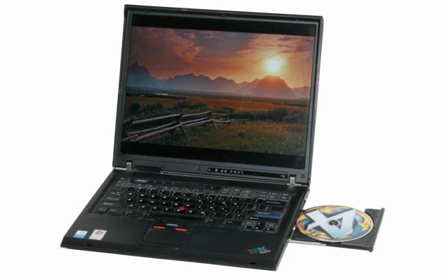 Lịch sử ThinkPad hơn 25 năm: từ Trái đất lên Không gian 40742713