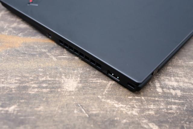 ThinkPad X1 cacbon - laptop cao cấp cho doanh nhân 44224518
