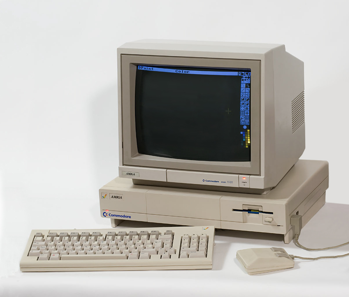 Giá cả của máy tính đã thay đổi như thế nào từ năm 1971?  Amiga_10