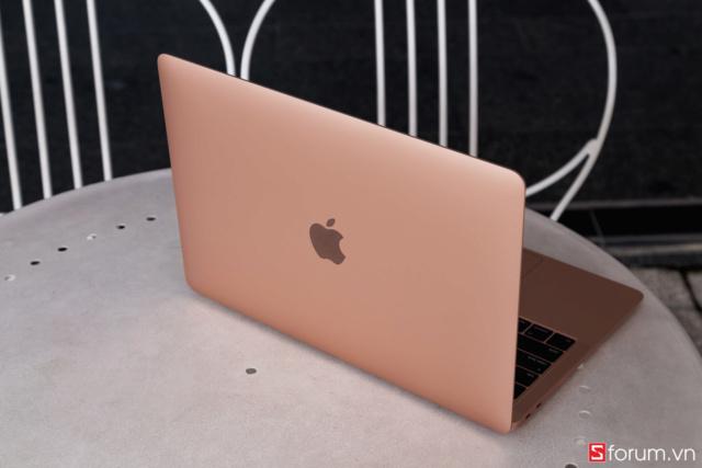 Mua MacBook: Hãy hiểu rõ cấu hình Macboo17