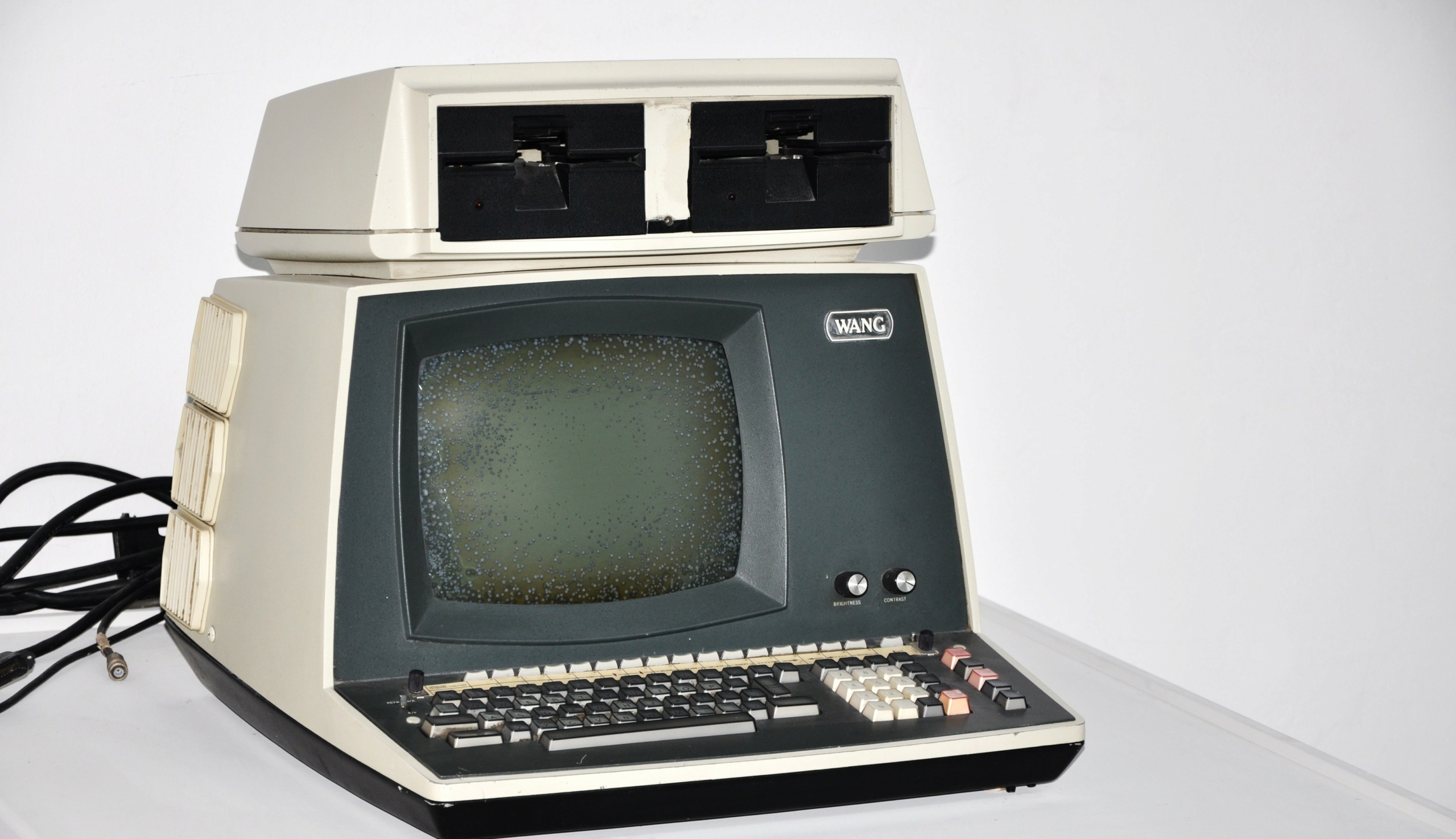 Giá cả của máy tính đã thay đổi như thế nào từ năm 1971?  Person10