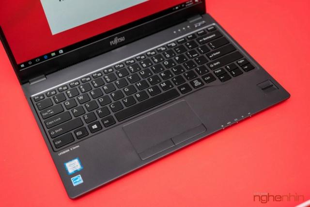 Fujitsu giới thiệu 2 laptop cao cấp U93x và U74x tại Việt Nam Ra_mat12