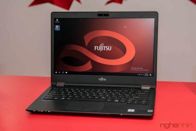 Fujitsu giới thiệu 2 laptop cao cấp U93x và U74x tại Việt Nam Ra_mat17