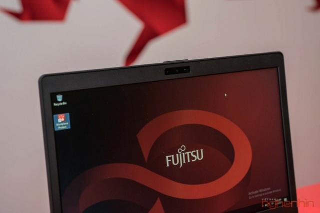Fujitsu giới thiệu 2 laptop cao cấp U93x và U74x tại Việt Nam Ra_mat20
