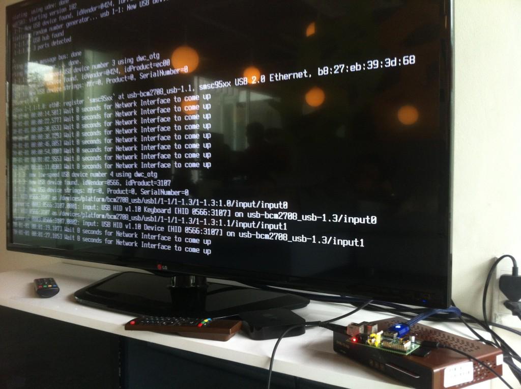 Raspberry Pi khơi nguồn sáng tạo Rpvsat14