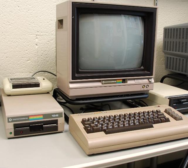 Giá cả của máy tính đã thay đổi như thế nào từ năm 1971?  Untitl10
