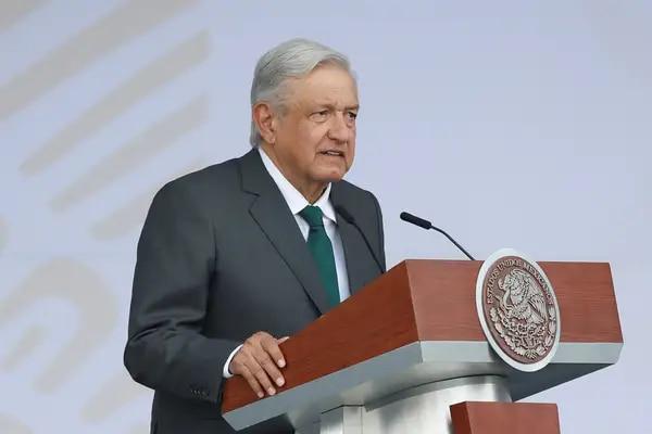 A este Lopez Obrador se le pueden decir muchas cosas  4rfkm510