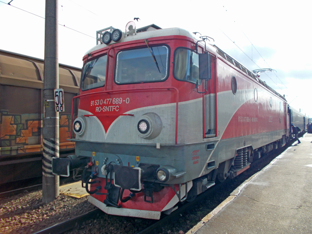 Locomotive clasa 47(476/477) aparţinând CFR Călători  - Pagina 45 Dscn0510