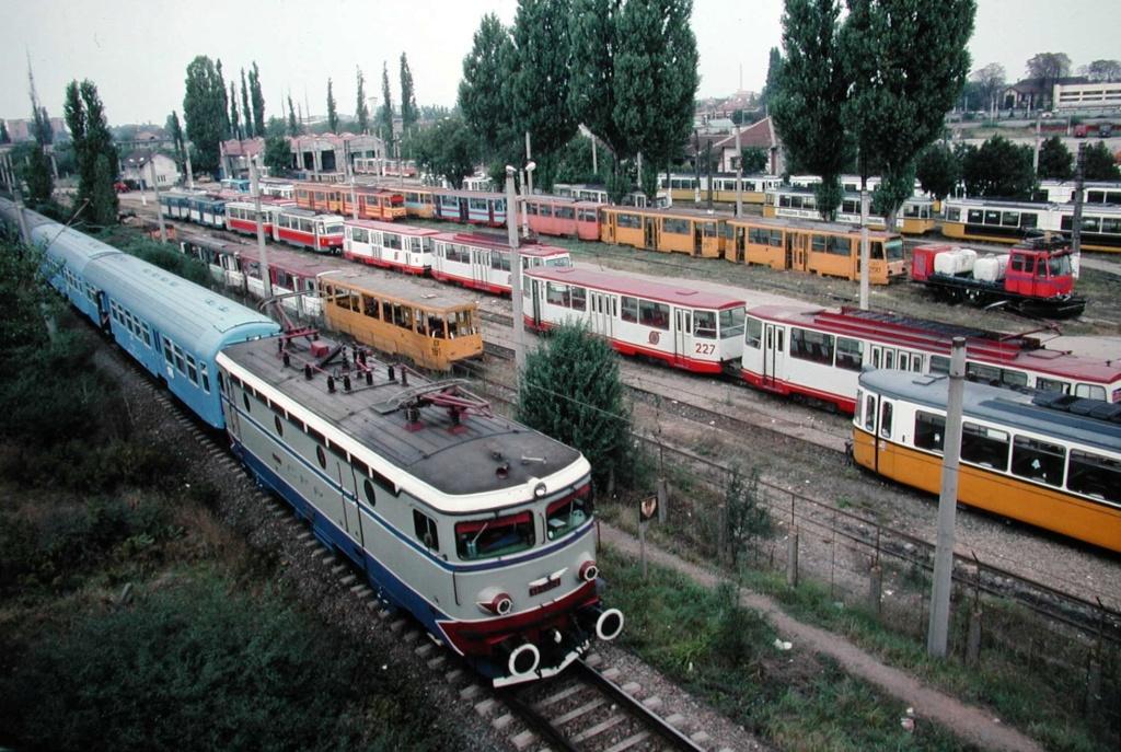 Imagini vechi cu trenuri CFR - Pagina 56 Ec_10310