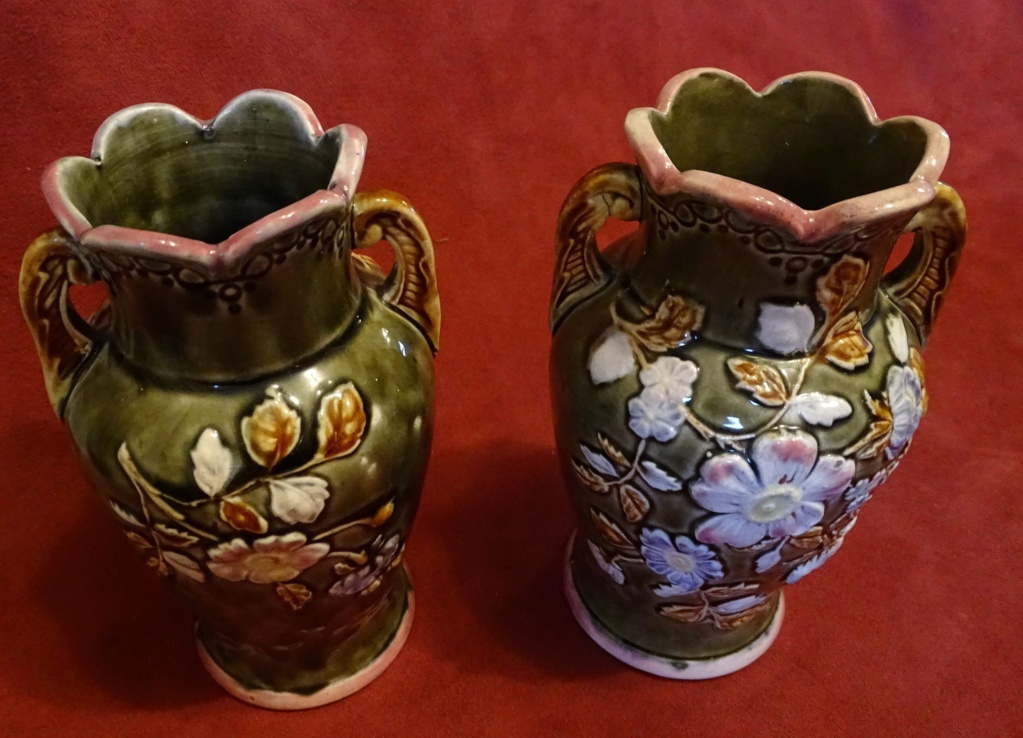 Please can you help me identify these vases 0600b10